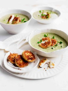 Artichoke and pea soup with fried curd