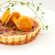 Mini Quiches with Mushrooms and Bacon