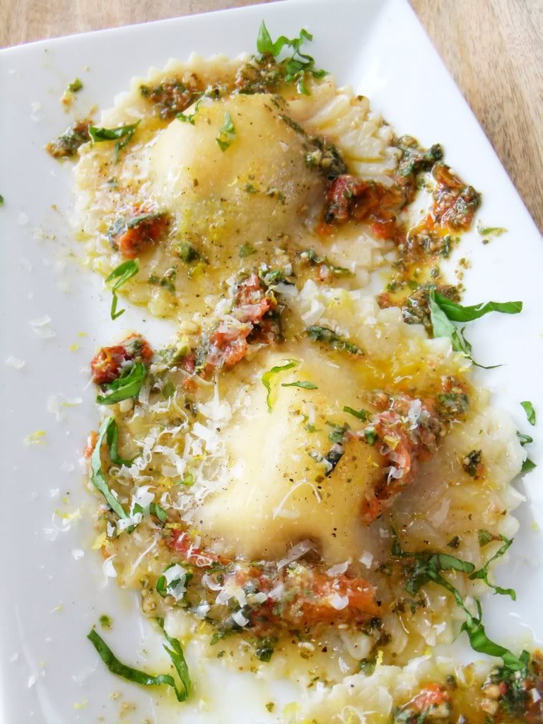 Caprese Ravioli with Roasted Tomato Pesto