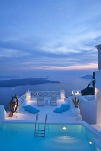 Santorini-blue-and-white-paradise