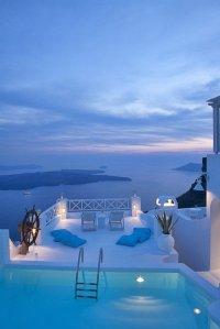 Santorini-blue-and-white-paradise