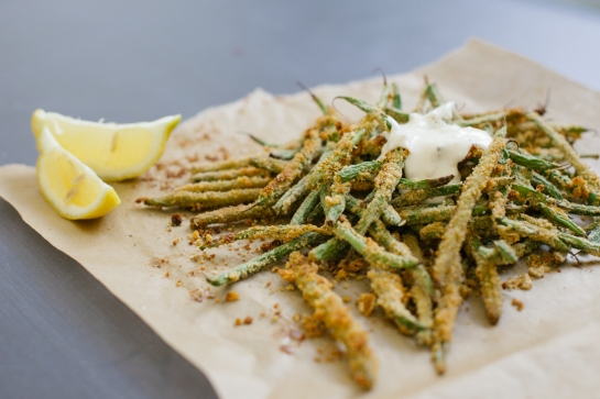 Oven-Baked Green Bean  Fries with Garlic Aioli